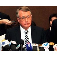 Six experts respond to Swan's surplus backflip