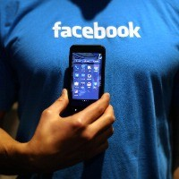 Facebook tests new 'buy' button on SMEs