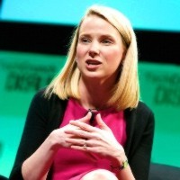 Yahoo! closes services as investor urges merger with Huffington Post owner Aol