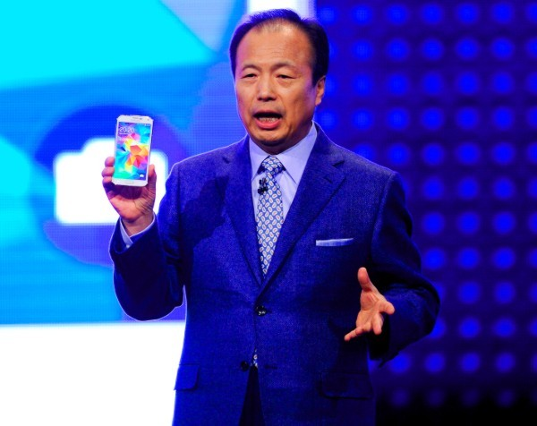 Samsung looks to dump chief executive and ChatOn app in major restructure
