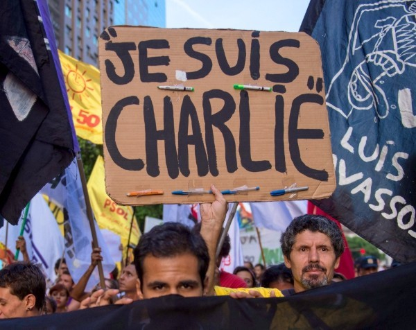 Charlie Hebdo hats and shirts: Melbourne family trust applies for 'Je suis Charlie' trademark in wake of tragedy
