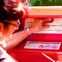 Two-tier mail system to become a reality as government fights to save Australia Post