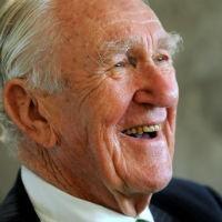 Former prime minister Malcolm Fraser dies after short illness