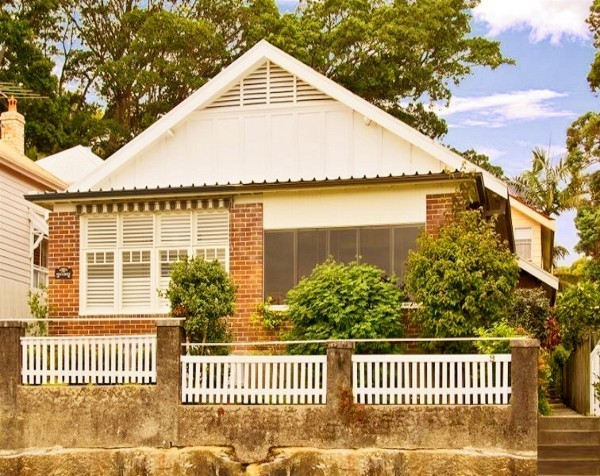Mosman four-bedroom home sold $320,000 above reserve as Sydney buyers flock to auctions despite election day distraction