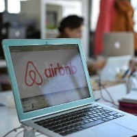 Flight Centre executive dismisses threat of startups like Airbnb to tourism sector