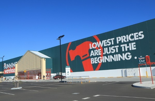 Over 6000 independent hardware stores to close as Bunnings and Masters nail the competition
