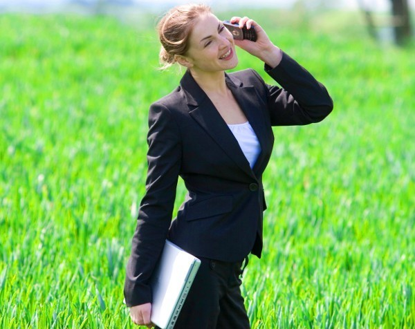 Forget siestas, 'green micro-breaks' could boost work productivity