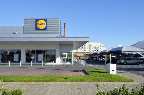 A Lidl bit more competition: Another discount German grocery chain enters the fight