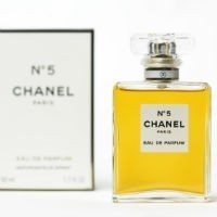 "Coco v cocoa: Adelaide chocolate company ""bullied"" by luxury fashion giant Chanel over No.5 logo"