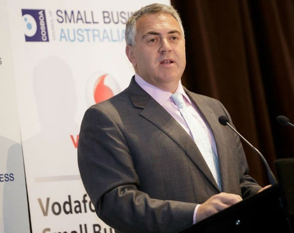 Joe Hockey pledges fairer tax system for small business