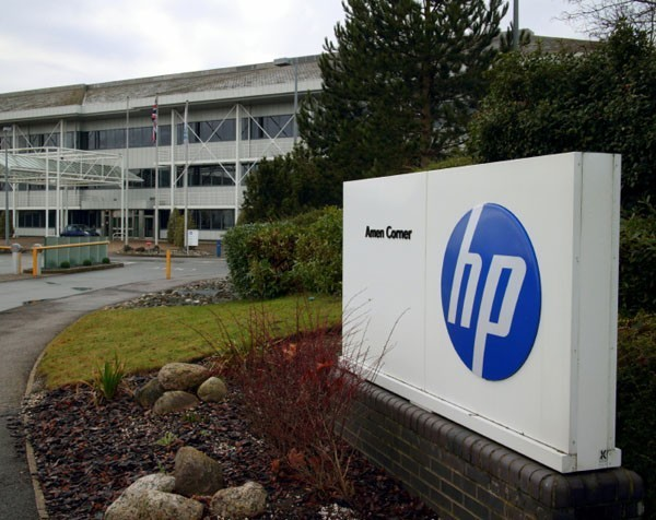 Former Hewlett-Packard PA jailed for racking up $950,000 on boss's company credit cards