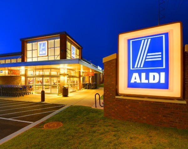 'Aussie-first' Aldi rejects Dick Smith claims that it plans to only sell Chinese goods