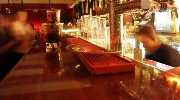 Bar accused of denying entry to males in discrimination lawsuit