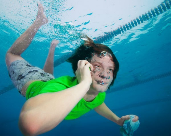 "Fine print excuse doesn't hold water: ACCC warns about ""waterproof"" phone claims"