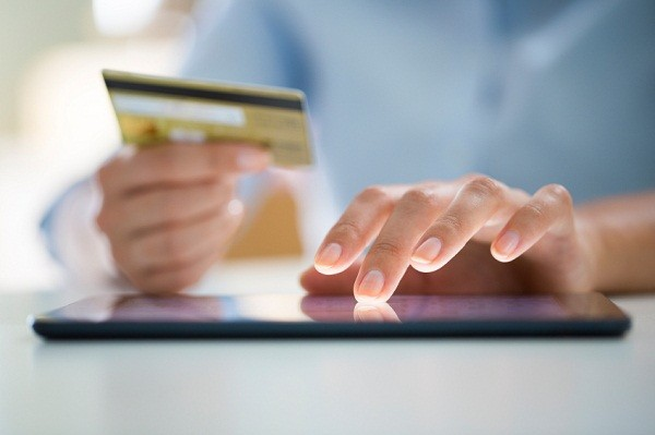 Around the world in 80 payments – global moves to a cashless economy