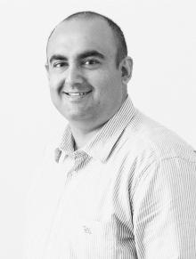 Mehdi Fassaie founder Fluent Retail standing