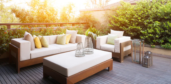 Outdoor furniture setting