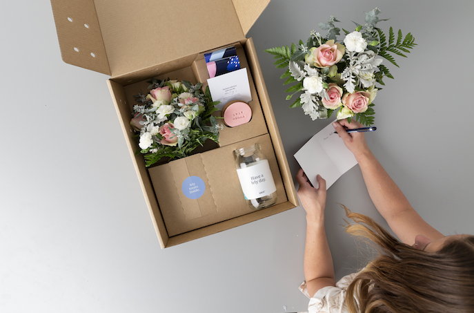 lvly-flower-gift-delivery
