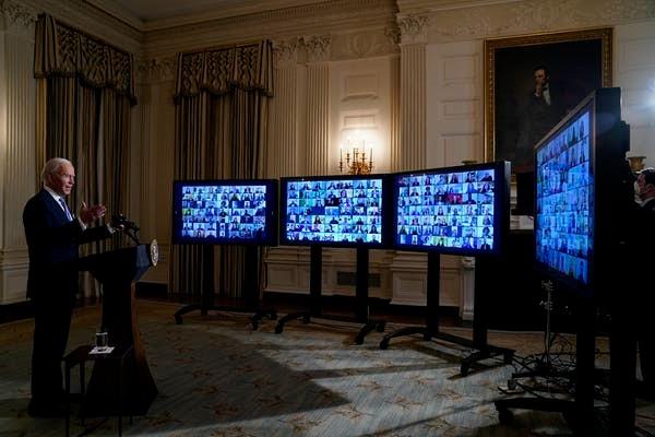 Joe-Biden-swears-in-political-appointees