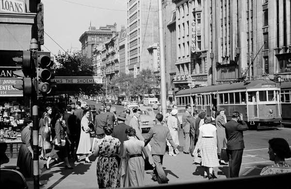 Au bureau via Collins Street en 1954